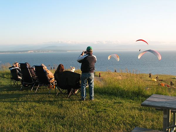 Fort Ebey paraglider watchers