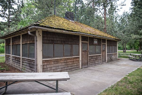 Lewis and Clark Trail picnic shelter