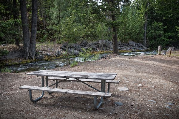 Twenty-Five Mile Creek picnic table by river