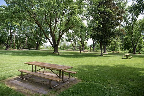 Yakima Sportsman picnic tables