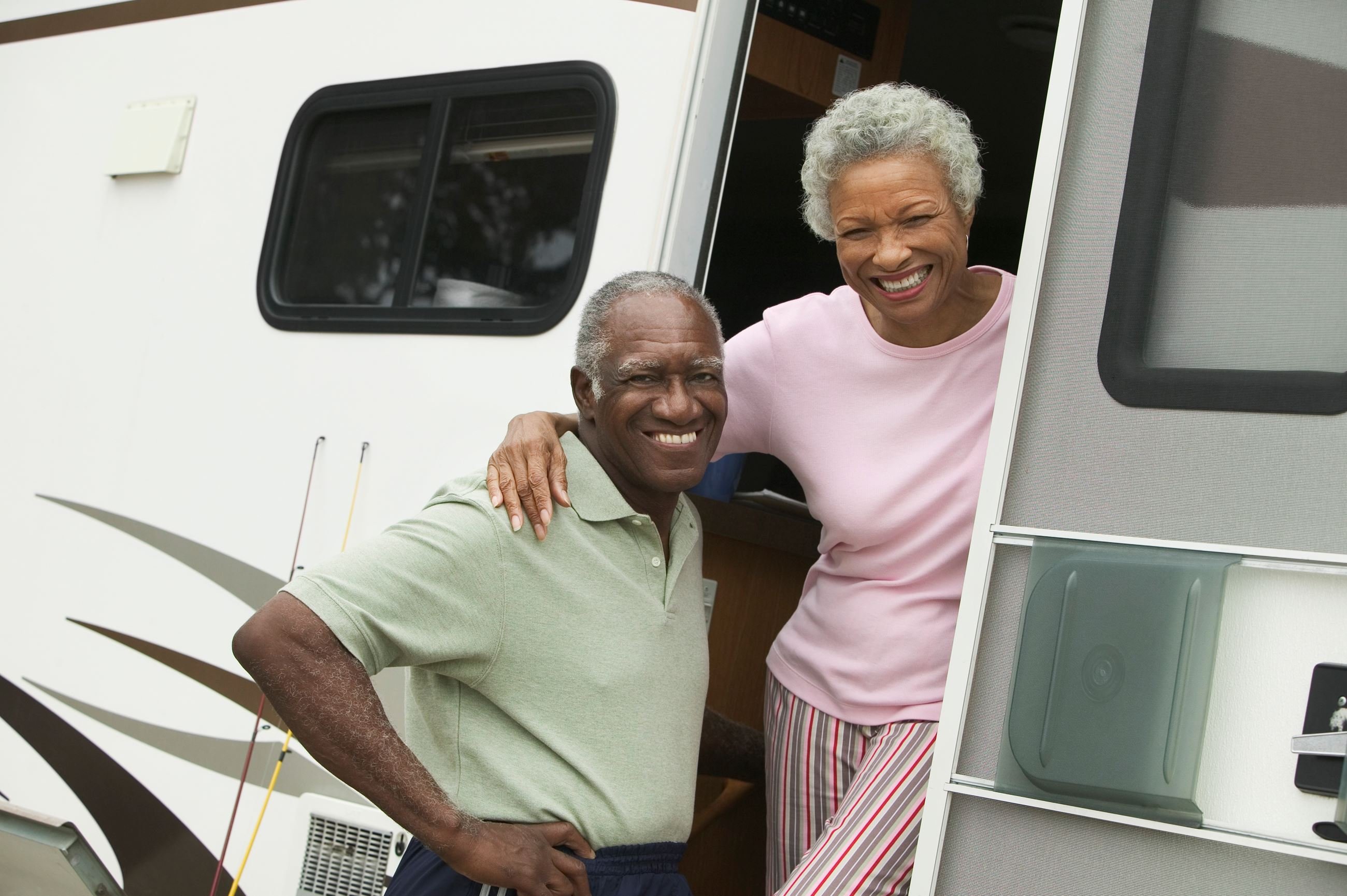 Couple-with-Their-RV-000033442814_XXXLarge