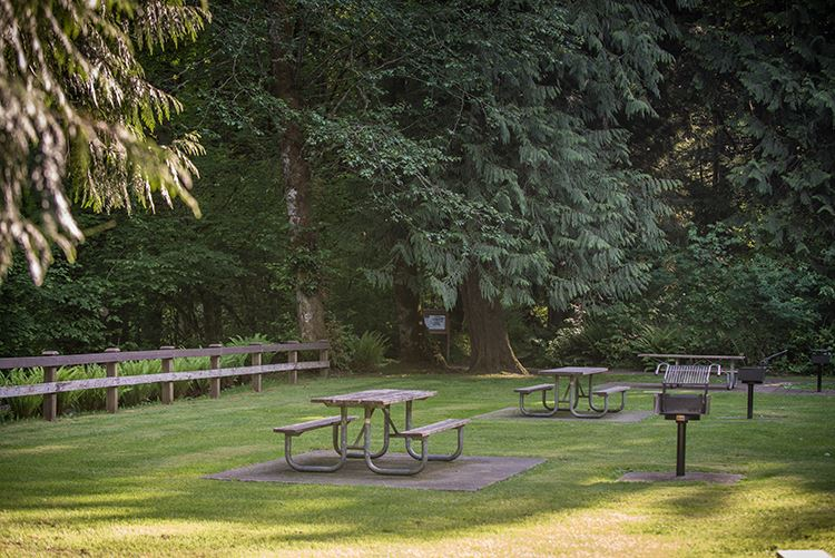 Rasar Day Use Picnic Tables