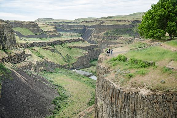 palouse-falls-visitor-overlook-above